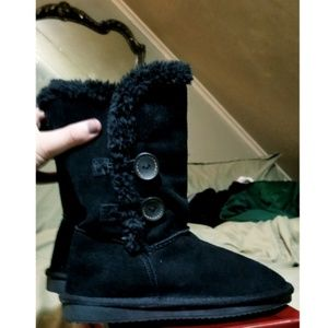 Fluffy winter boots